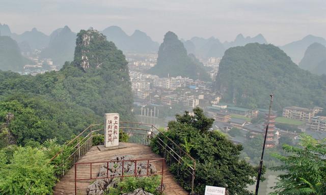 桂林山水甲天下,游玩当地一定要做的10件事