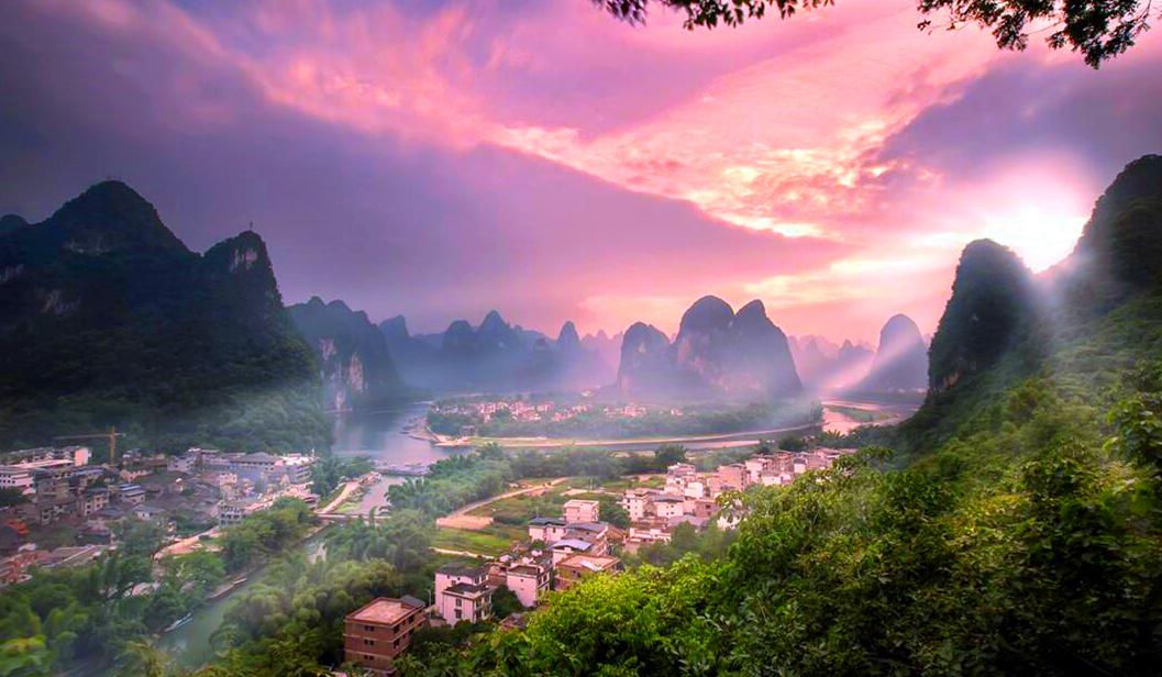 兴坪镇,20元人民币实景在这里,被称为漓江上一颗璀璨的明珠